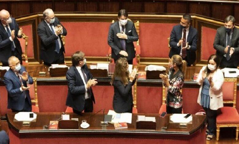 عاجل ..الحكومة الإيطالية تكسب الثقة ب 156 صوت